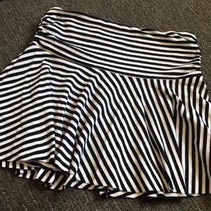 Black & White Stripe mini skirt / top - Guess